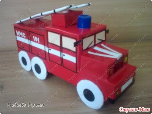 Пожарная машина своими руками из коробки видео