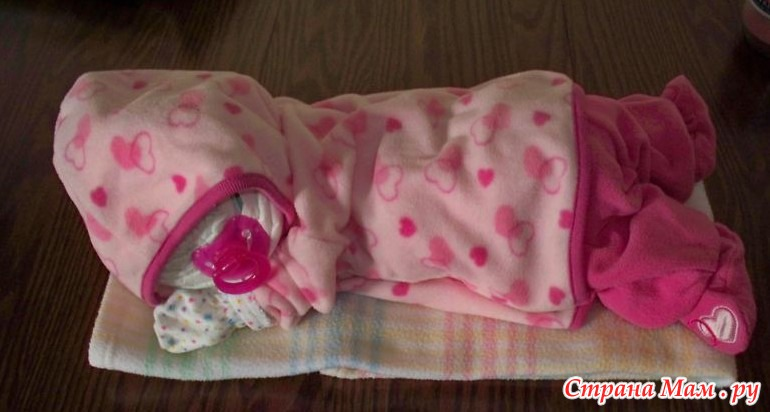 Подарки новорожденному из памперсов своими руками