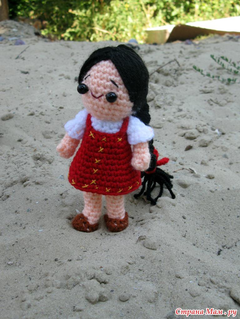 Кукла Аленка - амигуруми