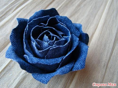 Сделать розу из джинсовой ткани