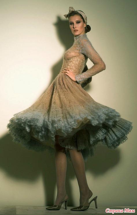 сильно расклешённая юбка,