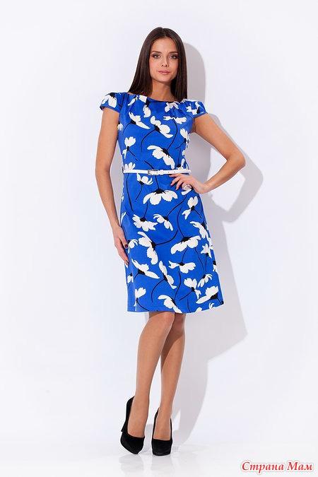 Синее платье с белым принтом