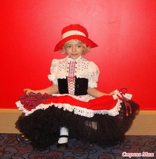 Как сделать новогодний костюм красной шапочки