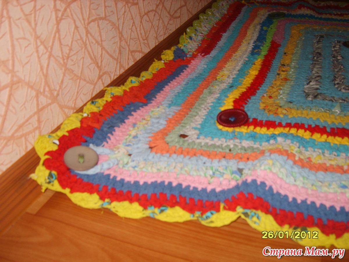 12 необычных идей как сделать коврики из старых вещей 80