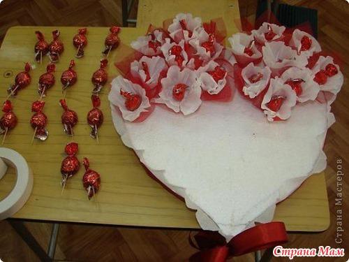 Сердце из конфет своими руками с пошаговыми фото
