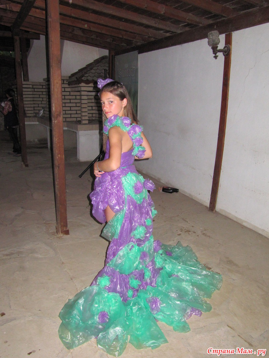 Платье своими руками из пластиковых пакетов 78