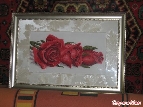 Вышивка роза в росе