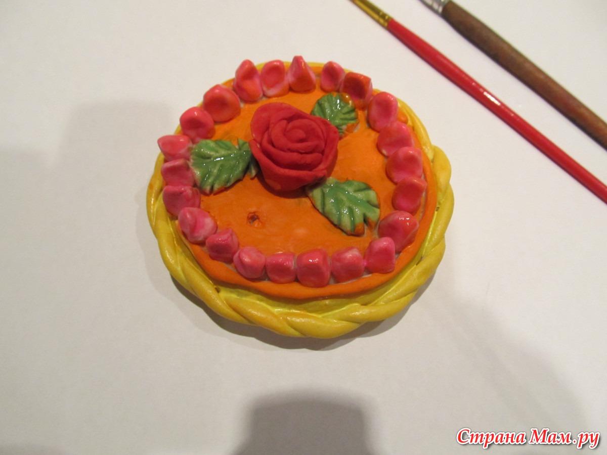Как сделать из пластилина торт с цветами