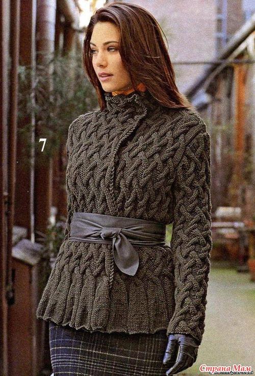 Кофта вязанная косы