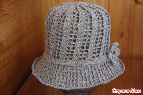 Эта панама-шляпка, ниточки чистый, не отбеленный лён.  Ушло 80 грамм.  Узор взят с интернета.