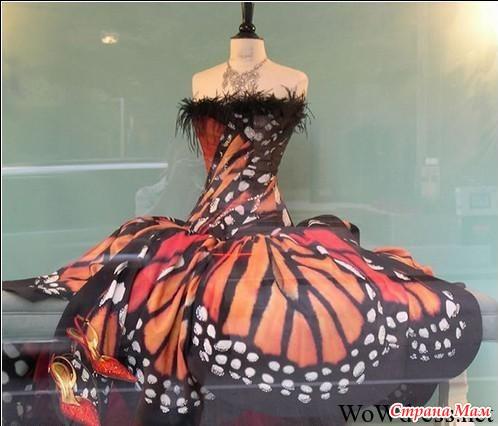 Платья на руках крылья