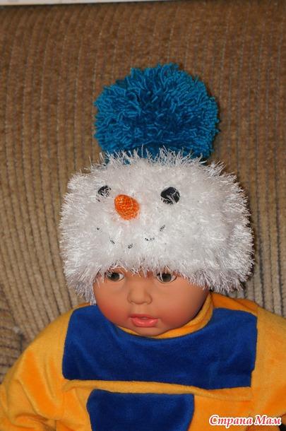 Шапочка - снеговичок.