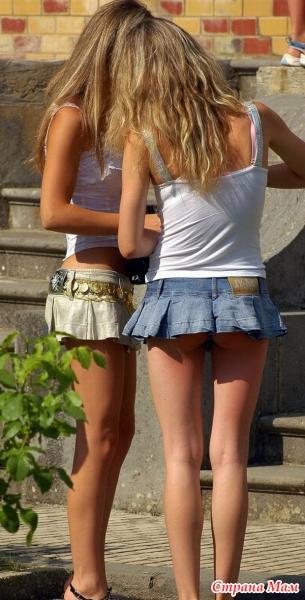 Девочки в мини юбках чулках и без трусиков фото 203-972