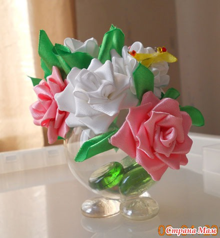 Букет из цветов своими руками из атласных лент