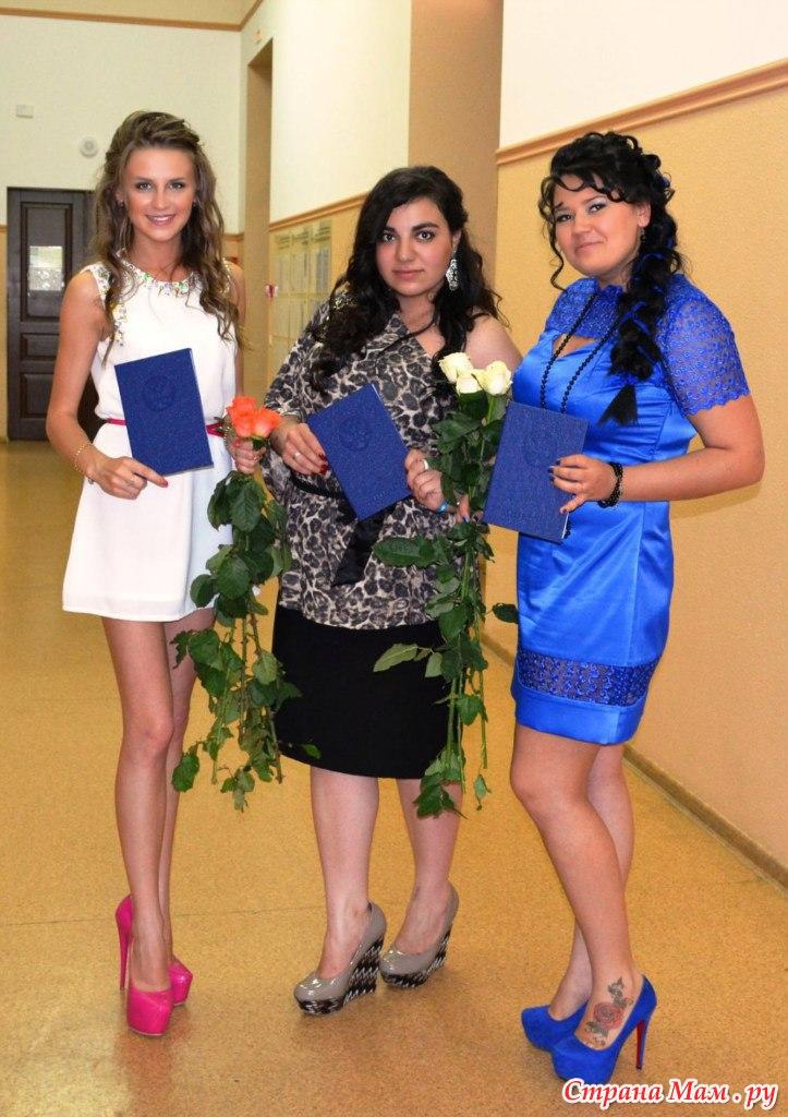 платья на выпускной для мамы фото
