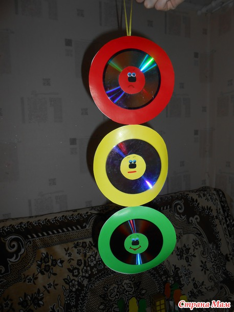 Светофор из дисков своими руками 49