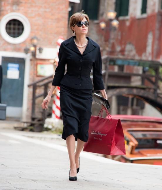 Фото платьев из фильма турист