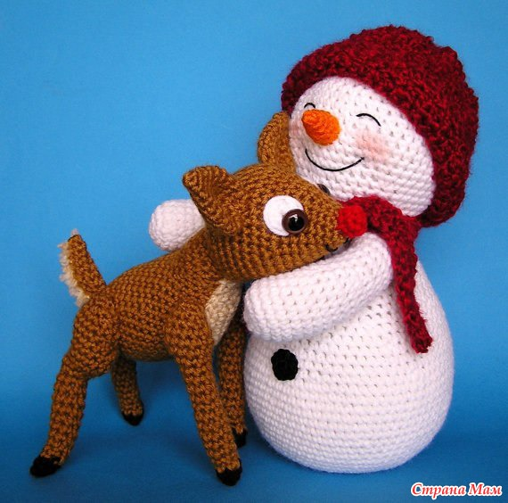 Снеговики вязанные крючком
