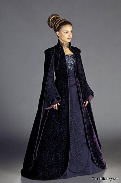 Длинные старинные платья