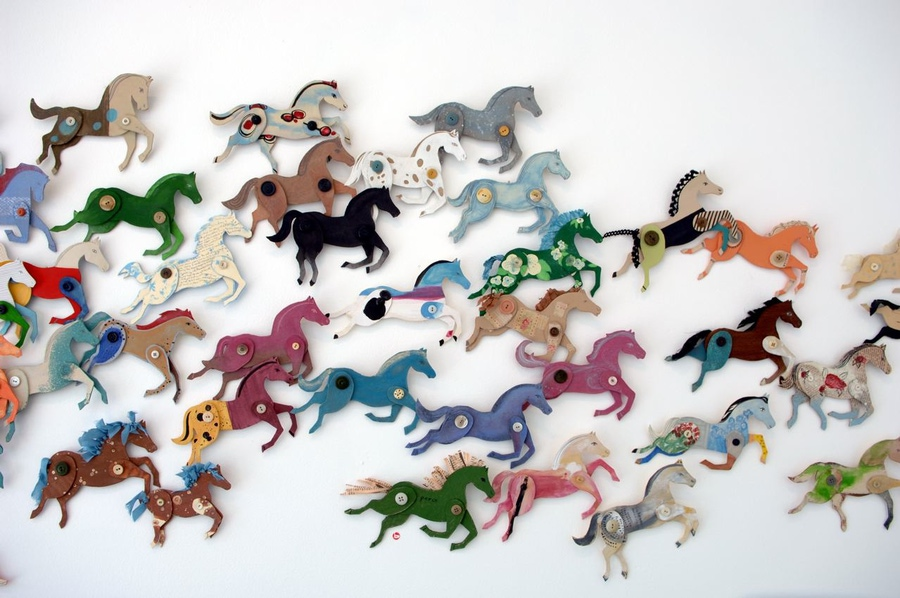 Лошадь из цветной бумаги своими руками
