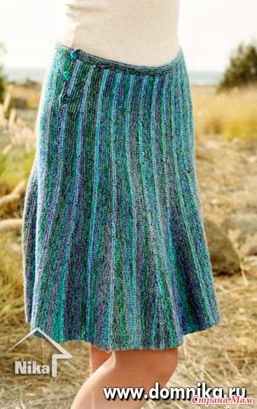Вязаные на спицах расклешенные юбки