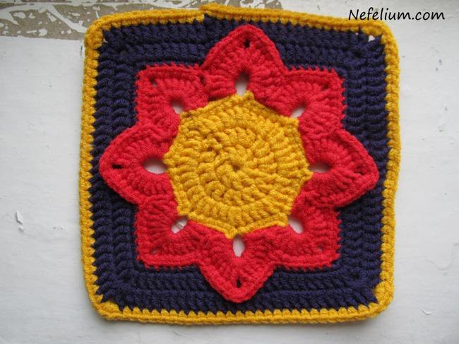 Квадратный мотив «Афганский цветок» вязанный крючком