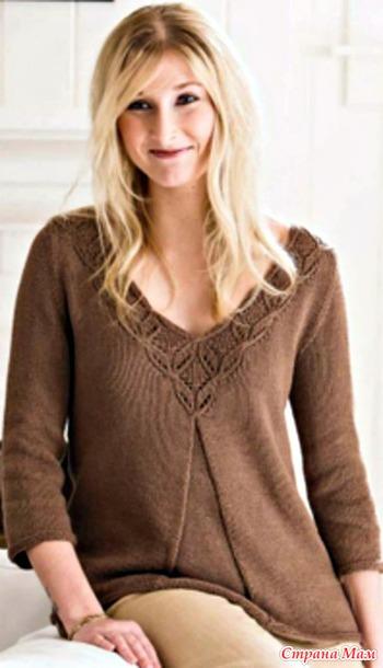Расклешенный пуловер спицами.