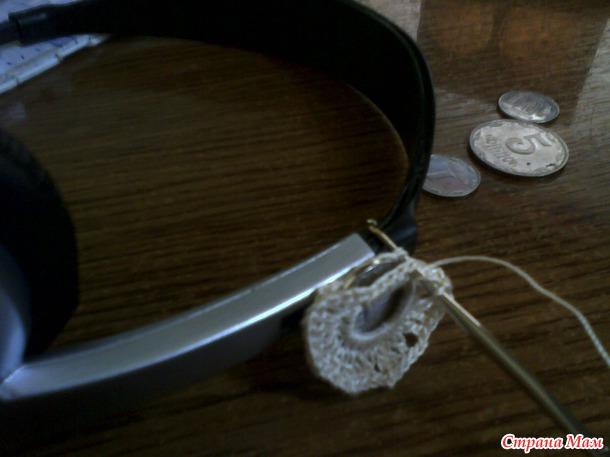 *Еще одна денежная салфетка или небольшой МК по ввязывании монетки.