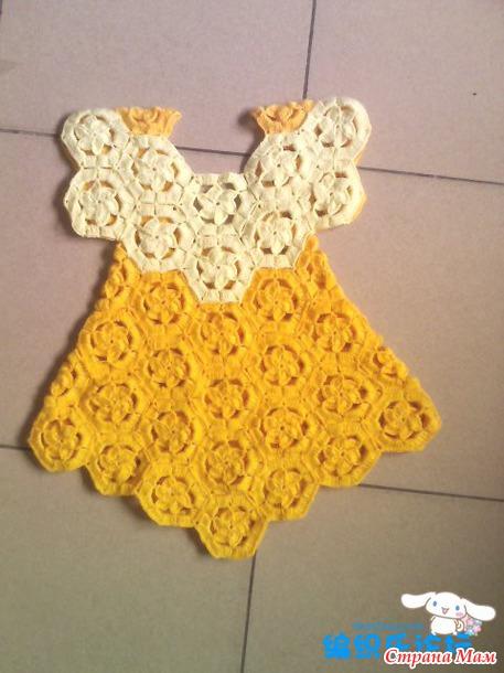 Платье для девочки из мотивов крючком