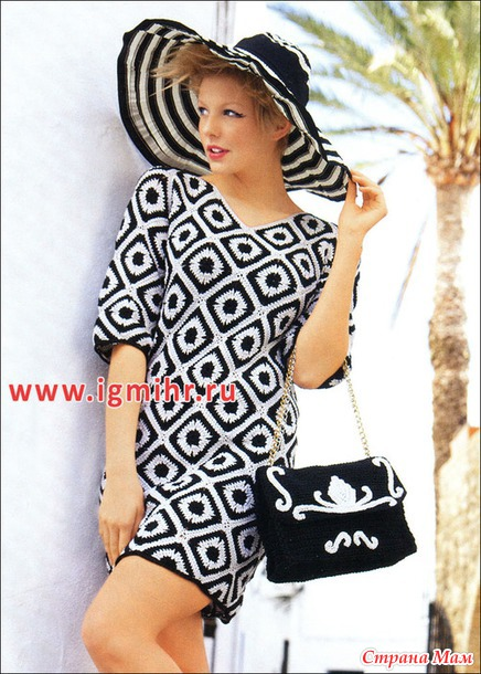 Эффектное черно-белое платье из квадратных мотивов   и сумка с позументами. Крючок