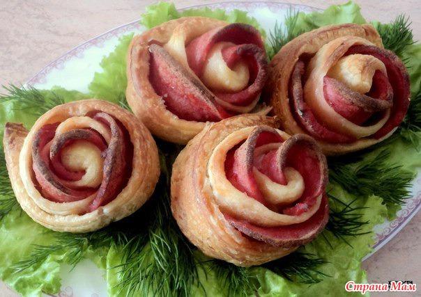 Розы из теста с колбасой рецепт