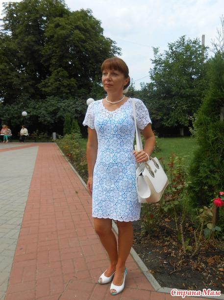 Белое платье мотивами для себя