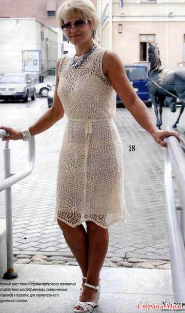 *Нарядное платье из шестиугольных мотивов.