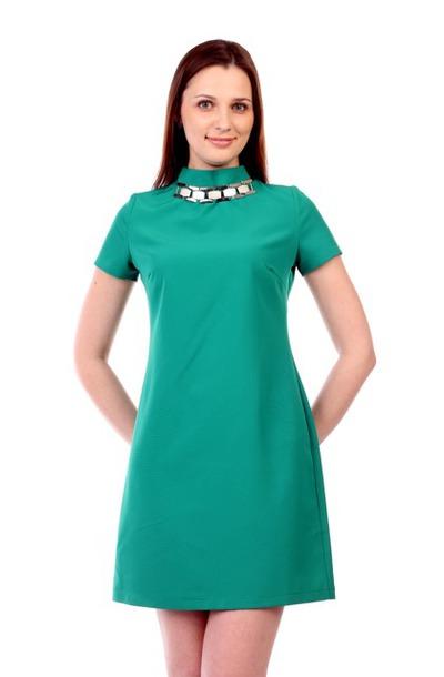Платье прямое с воротником стойкой