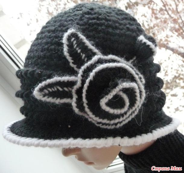 Продолжаю вязать шляпки...