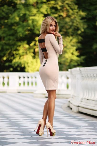 женщины в платье фото