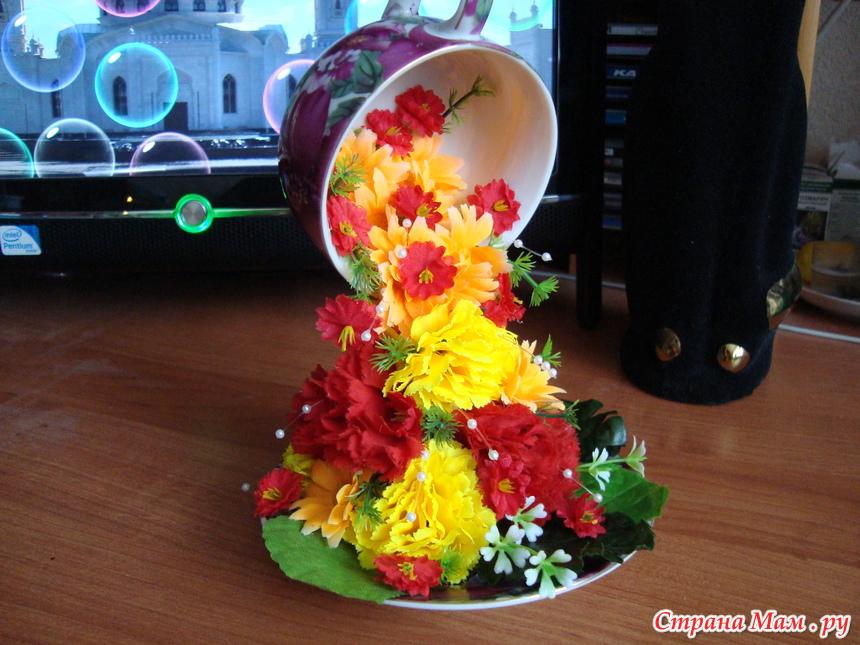 Кружка с блюдцем из цветов своими руками 38