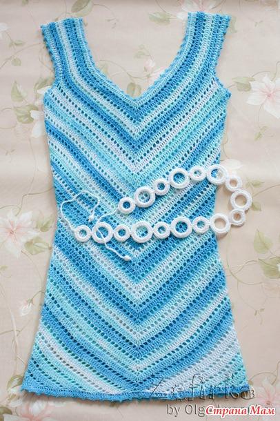 Платье вязаное диагонали