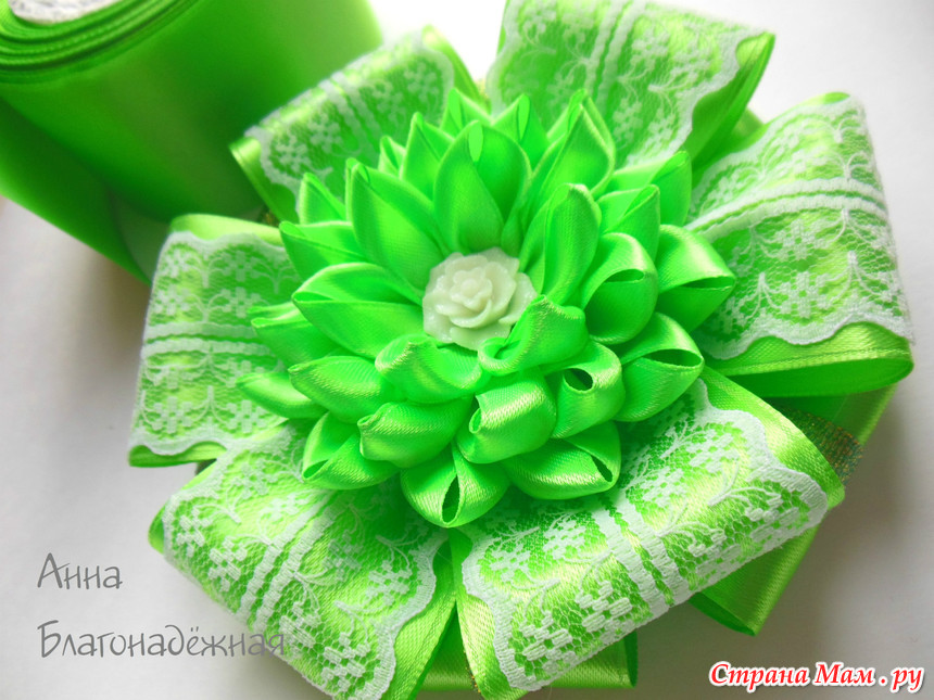 Зеленый бант на выписку из роддома