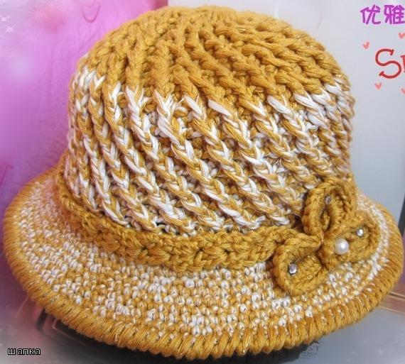 Элегантная осенняя шляпка.