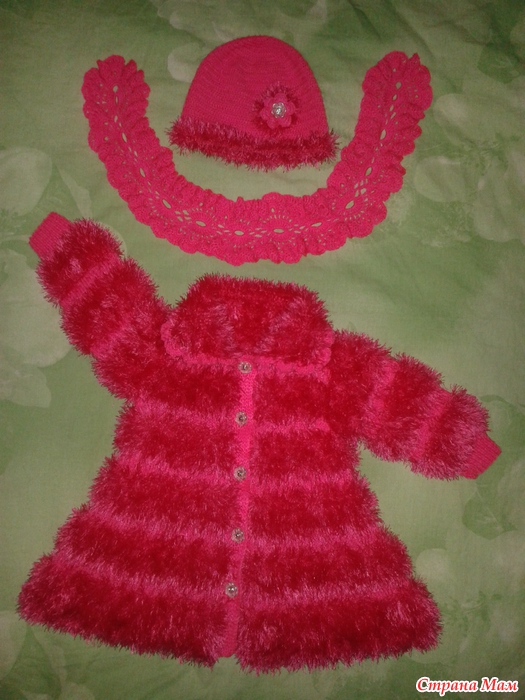 Вязание крючком пальто для девочек из травки 31