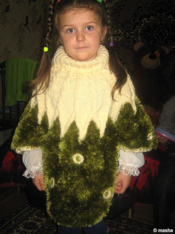 Вязаное пончо для девочки (на