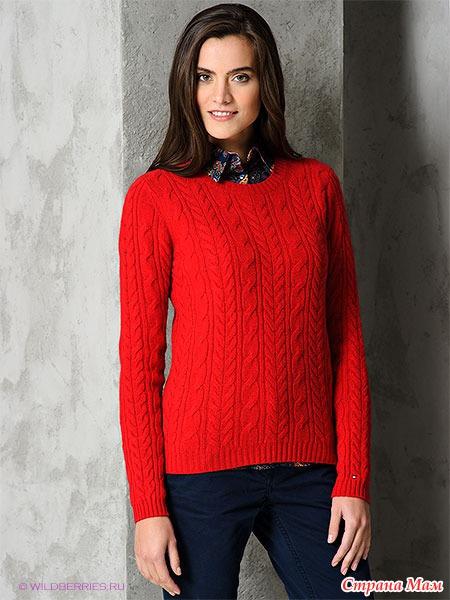 Красный вязанный свитер
