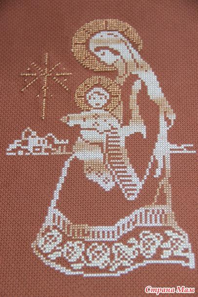 Вышивка на коричневой канве