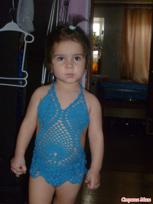 Вязаний купальник для девочки 111