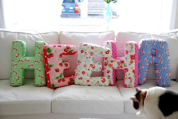 Фото подушек своими руками декоративные буквы
