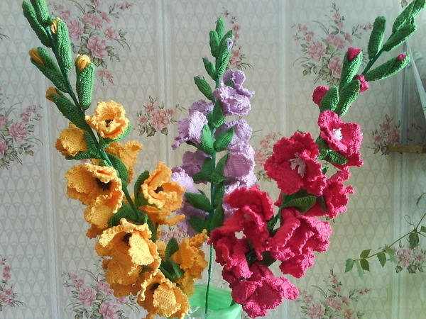 Как связать цветок гладиолус