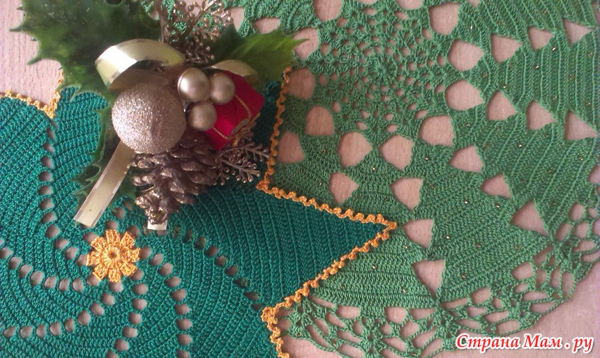 Вязаные салфетки к новому году крючком