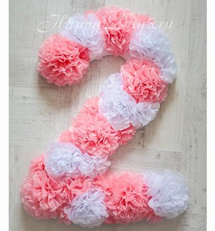 Цифра 3 на день рождения из помпонов