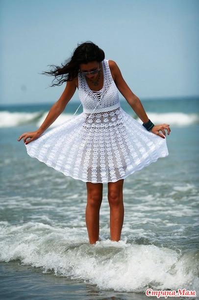 . Милое белое платьице